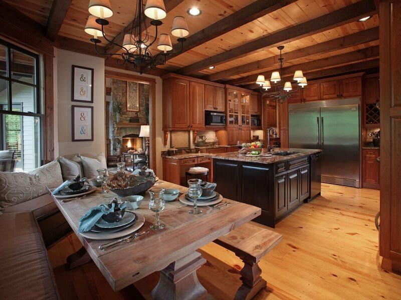 Crazy Fox Kitchen2