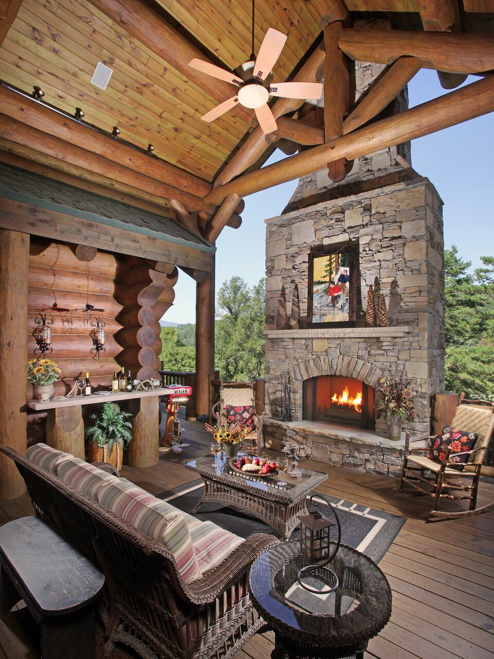 Ponderosa lodge modern rustic homes for Modern rustic homes for sale
